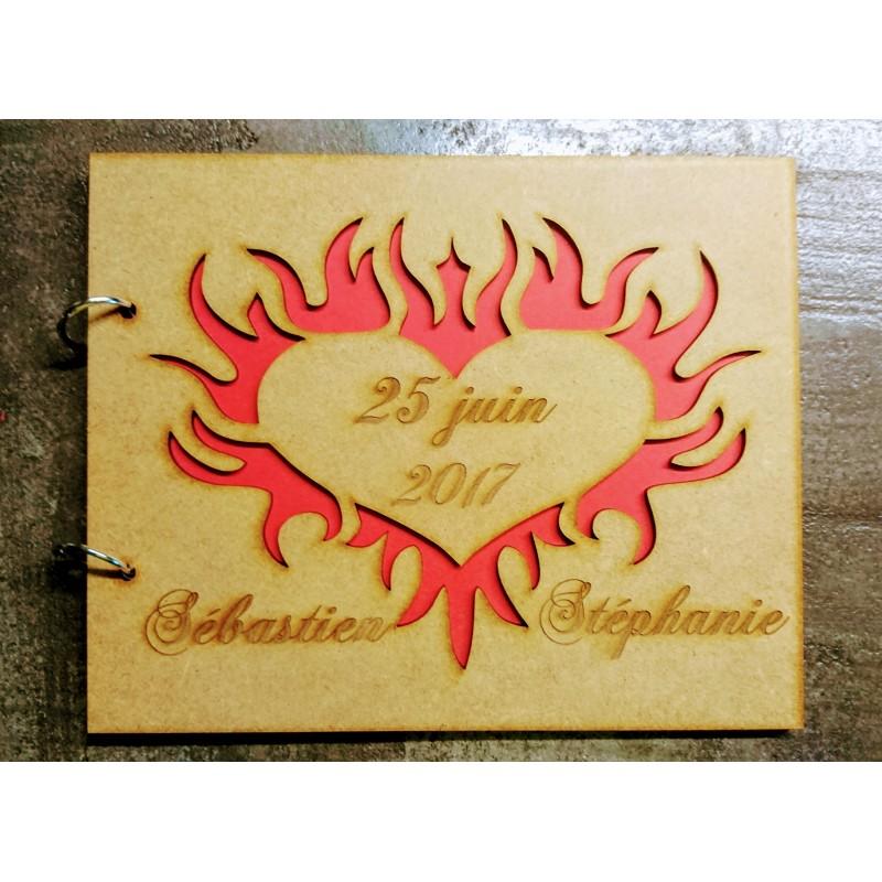 livre d 39 or en bois mariage champ tre bapt me personnalis coeur flamme mauve. Black Bedroom Furniture Sets. Home Design Ideas